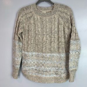 Listicle textured cable knit sweater